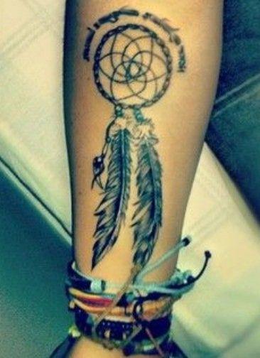 łapacz snów tatuaż na ręce