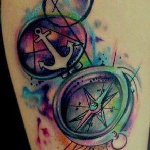 kompas tatuaż
