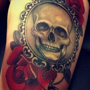 tatuaże ludzkie czaszki i róże
