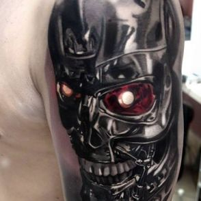 czaszka terminator tatuaż