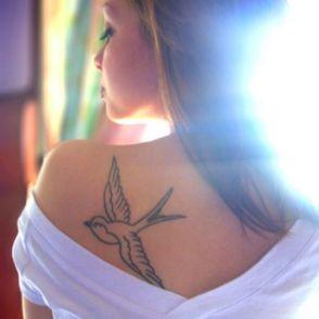 tatuaże jaskółki 28623